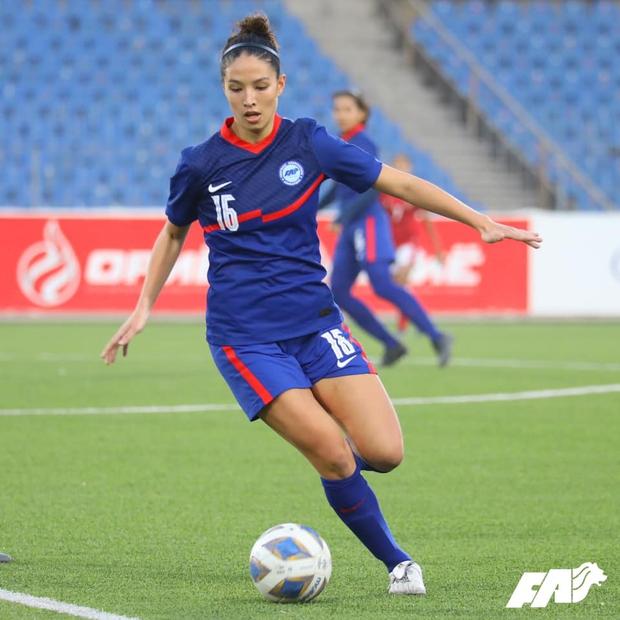 Đối thủ của tuyển nữ Việt Nam gây sốt khi gọi cả Á hậu lên thi đấu: Cao tới 1m73, nhan sắc tuổi 18 khiến tất cả phải xao xuyến - Ảnh 2.