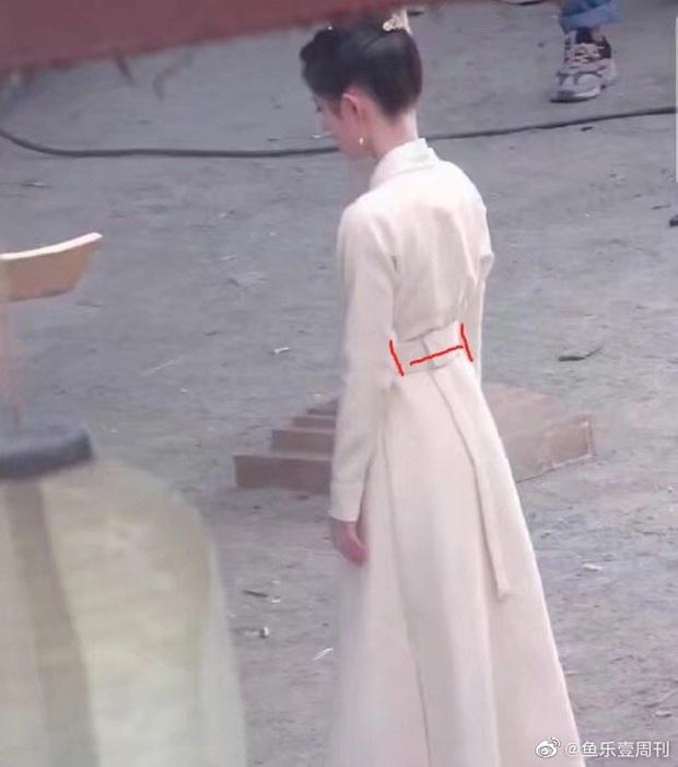 Mỹ nhân Hoa ngữ gầy tong teo trên phim: Trịnh Sảng như bộ xương di động, người cuối còn bị ví với búp bê đầu to - Ảnh 12.