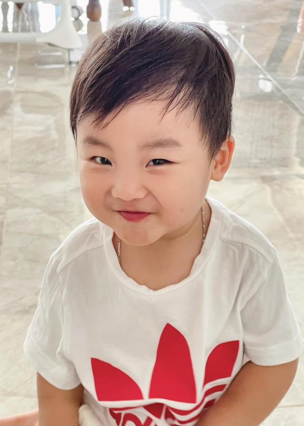 Hoà Minzy lần đầu tiết lộ ý nghĩa tên Bo của con trai đầu lòng, có liên quan tới một ngôi sao đình đám Vbiz? - Ảnh 3.