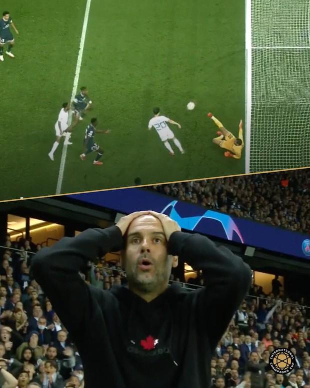 Tình huống bỏ lỡ ảo tung chảo trong trận Messi ghi bàn: Cầu thủ Man City đá vào xà ngang dù trước mặt chỉ còn lưới trống - Ảnh 3.