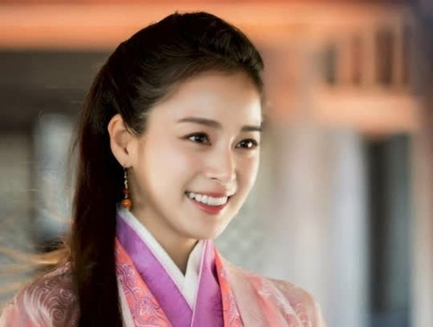 Mỹ nhân Hàn trong tạo hình phim cổ trang Trung Quốc: Park Min Young đẹp xuất sắc, Yoona bị dìm vì trang phục - Ảnh 8.