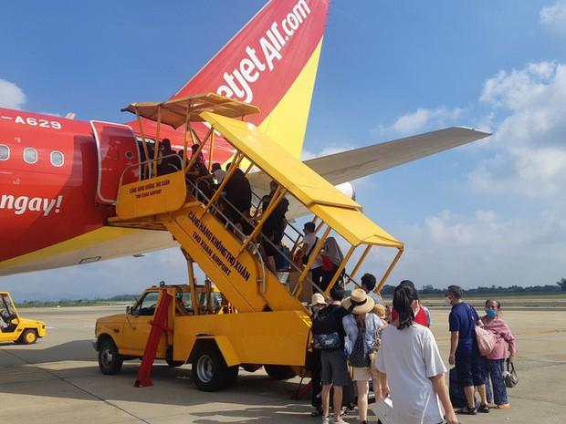 Cục trưởng Cục Hàng không: Mỗi địa phương áp dụng một kiểu sẽ rất khó bay nội địa trở lại - Ảnh 1.
