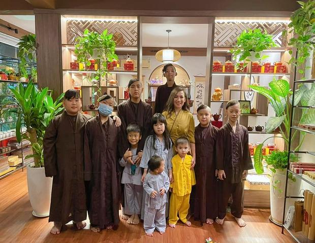 Ca sĩ Phi Nhung qua đời, Cục Trẻ em chính thức lên tiếng về 23 con nuôi - Ảnh 3.