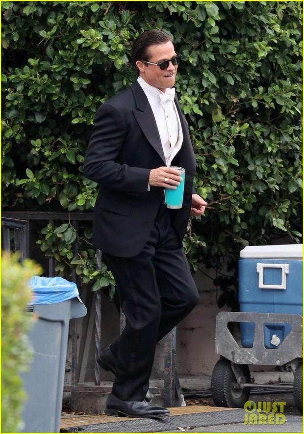 Vợ cũ Angelina Jolie vừa bị tóm hẹn hò với The Weeknd kém 15 tuổi, Brad Pitt lộ phản ứng ra sao ở hậu trường? - Ảnh 7.