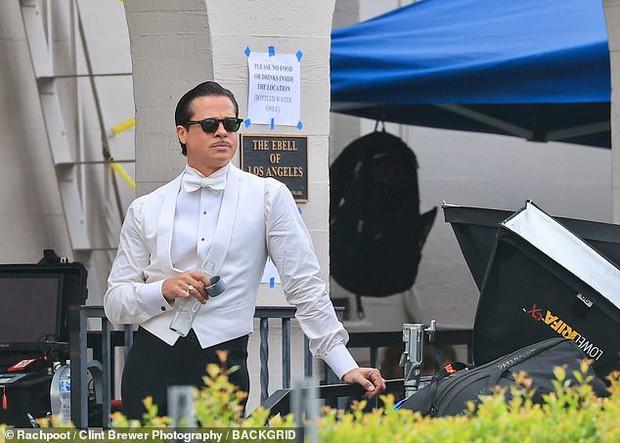Vợ cũ Angelina Jolie vừa bị tóm hẹn hò với The Weeknd kém 15 tuổi, Brad Pitt lộ phản ứng ra sao ở hậu trường? - Ảnh 5.