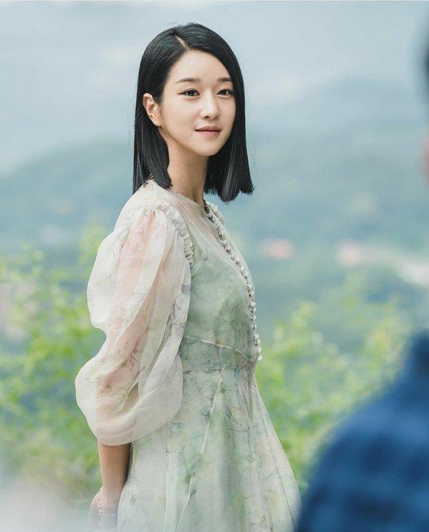 3 chị đại phim Hàn diện đồ bao đỉnh: Son Ye Jin - Seo Ye Ji siêu sang nhưng vẫn chưa bằng bà chủ IU - Ảnh 4.