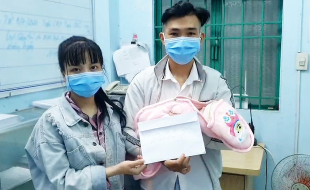 Bắt giữ đối tượng truy nã vừa sinh con, công an hỗ trợ tiền mua sữa - Ảnh 2.