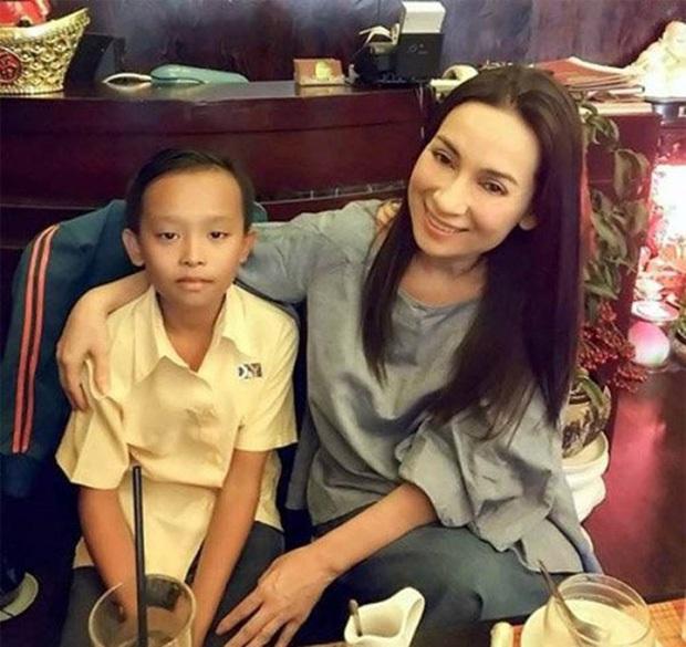 Phi Nhung nhận nuôi Hồ Văn Cường: Ước mơ của tôi là con được tiếp tục đi học - Ảnh 5.
