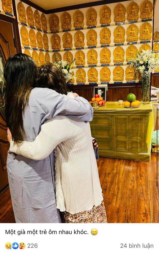 Lễ cầu siêu cho Phi Nhung tại Mỹ: Con gái suy sụp trước di ảnh mẹ, Trizzie Phương Trinh, Hồng Đào có mặt chia buồn - Ảnh 3.