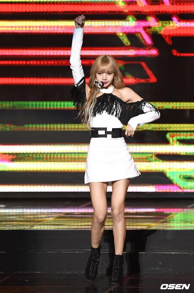 Tìm ra đôi chân đạt đến level hoàn hảo hiếm có tại Kpop, vượt mặt cả thánh body Lisa hay mỹ nhân đẹp nhất thế giới Nana? - Ảnh 8.