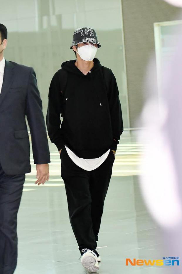 Park Seo Joon kín mít mà vẫn náo loạn sân bay vì soái khí ngút ngàn, chính thức xuất phát sang Mỹ đóng bom tấn Captain Marvel - Ảnh 2.