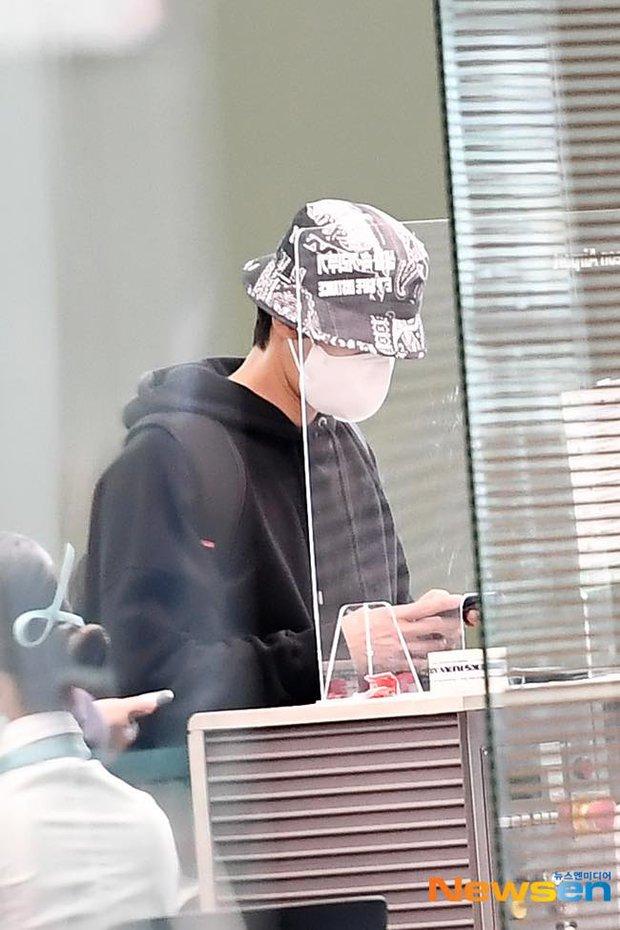 Park Seo Joon kín mít mà vẫn náo loạn sân bay vì soái khí ngút ngàn, chính thức xuất phát sang Mỹ đóng bom tấn Captain Marvel - Ảnh 7.