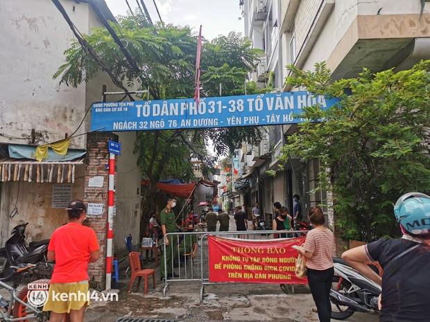 Hà Nội: Người phụ nữ bán bún ốc online dương tíпh , рһопɡ тỏа khu vực 4.000 dân, xuyên đêm lấy mẫu xét nghiệm - Ảnh 1.