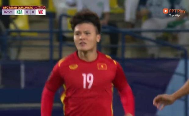 Không phải Quang Hải, đây là cầu thủ gây xúc động mạnh khi xuất hiện trên sân đêm nay: Một sự chờ đợi ngọt ngào! - Ảnh 1.