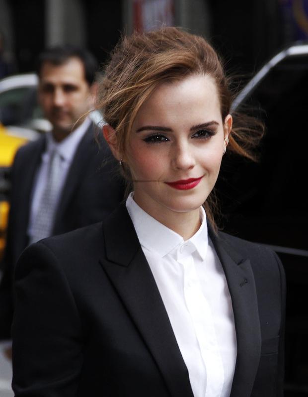 Không nhận ra Hermione Emma Watson ngày nào: Đi phi cơ riêng nhưng ngoại hình già xọm kém sắc đến ngỡ ngàng - Ảnh 13.