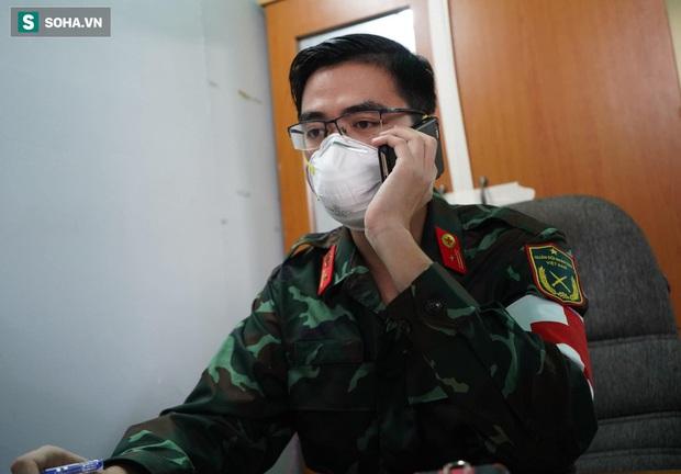 Chiếc xe máy đi mượn và lời hứa luôn có mặt của biệt đội điều trị F0: Là quân nhân chúng tôi đã quen với gian khổ - Ảnh 6.