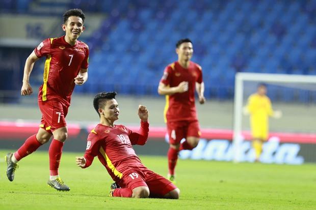 Netizen Trung trầm trồ trước màn thể hiện của Quang Hải, lo lắng cho đội nhà: Chúng ta sẽ thua Việt Nam mất - Ảnh 1.