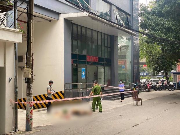 Hà Nội: Nguyên nhân cô gái rơi tầng cao chung cư ở ngõ 12 Khuất Duy Tiến - Ảnh 1.