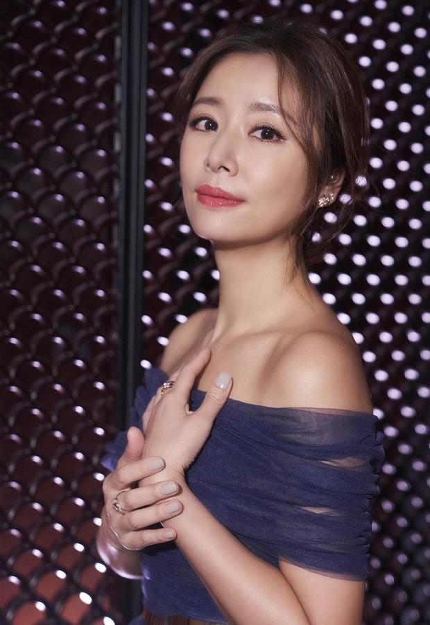 Mỹ nhân Hoa ngữ là nạn nhân của bạo lực phim trường: Dương Mịch bị đạo diễn tát, người cuối còn bị quấy rối tình dục - Ảnh 9.