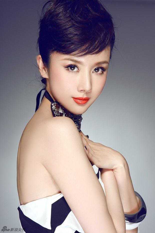 Mỹ nhân Hoa ngữ là nạn nhân của bạo lực phim trường: Dương Mịch bị đạo diễn tát, người cuối còn bị quấy rối tình dục - Ảnh 3.