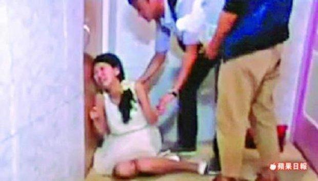 Mỹ nhân Hoa ngữ là nạn nhân của bạo lực phim trường: Dương Mịch bị đạo diễn tát, người cuối còn bị quấy rối tình dục - Ảnh 8.