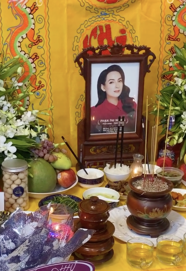Thi hài cố ca sĩ Phi Nhung hiện được đặt ở đâu trước khi tổ chức tang lễ, về nơi an vị cuối cùng? - Ảnh 5.