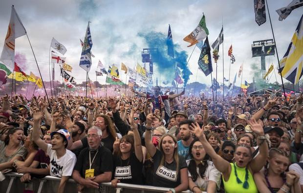 Nguyên dòng sông bị ô nhiễm nặng thuốc lắc và cocaine sau festival âm nhạc, nguyên nhân nghe còn chán hơn - Ảnh 1.