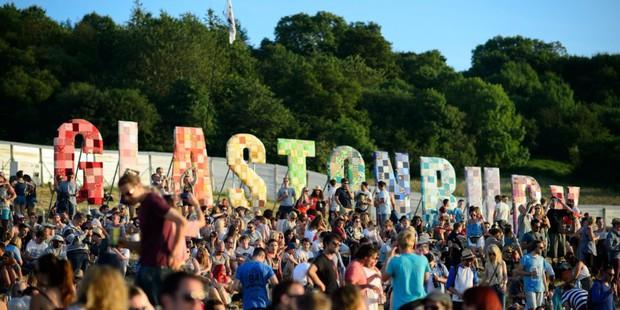 Nguyên dòng sông bị ô nhiễm nặng thuốc lắc và cocaine sau festival âm nhạc, nguyên nhân nghe còn chán hơn - Ảnh 5.