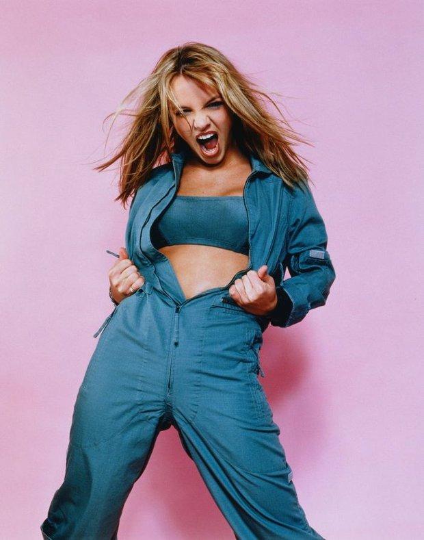Chính thức: Britney Spears sau 13 năm cuối cùng đã tự do, bố ruột bị Tòa án đình chỉ quyền bảo hộ ngay trong hôm nay! - Ảnh 1.