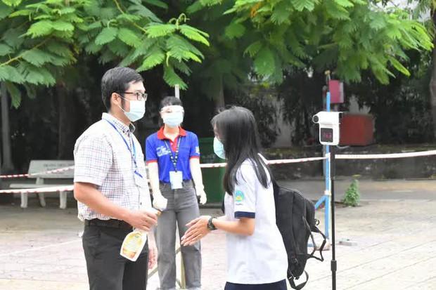 TP.HCM: Không vội đón học sinh trở lại trường - Ảnh 1.