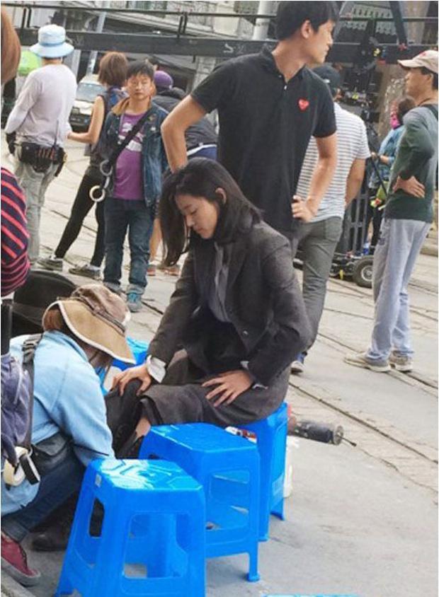 Mỹ nhân phim Hàn dính phốt mắc bệnh ngôi sao: Jeon Ji Hyun mang tiếng vì 1 bức hình, số 3 không ai bênh nổi - Ảnh 3.