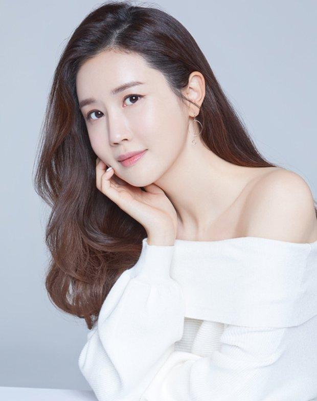 Mỹ nhân phim Hàn dính phốt mắc bệnh ngôi sao: Jeon Ji Hyun mang tiếng vì 1 bức hình, số 3 không ai bênh nổi - Ảnh 7.