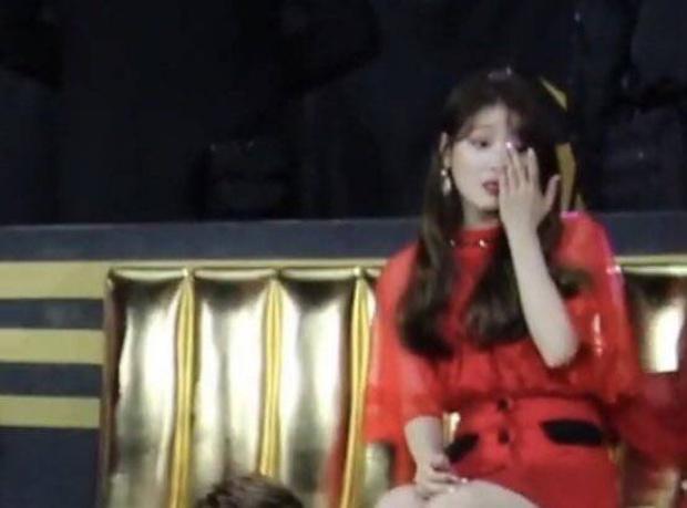 BTS nói 1 câu khi nhận Daesang mà khiến TWICE ôm nhau khóc, Wanna One và Sunmi cũng không khỏi xúc động - Ảnh 6.