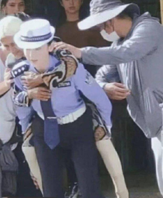 Làn da trắng đến mức phát sáng trong ảnh không PTS của 1 nữ thần Cbiz náo loạn Weibo, đúng là mỹ nhân Tân Cương có khác - Ảnh 4.