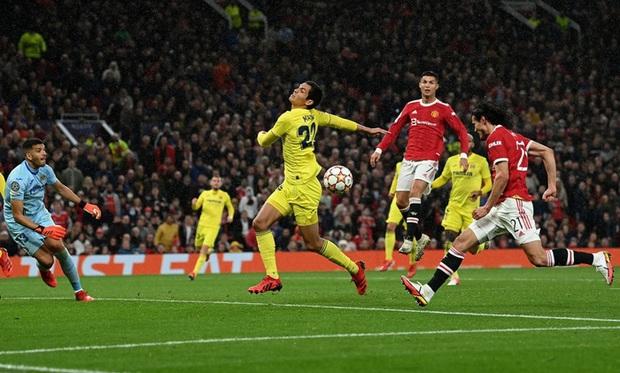 Ronaldo ghi bàn phút cuối cùng, giải cứu MU khỏi thảm hoạ ngay trên sân nhà - Ảnh 13.