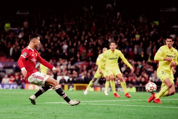 Ronaldo ghi bàn phút cuối cùng, giải cứu MU khỏi thảm hoạ ngay trên sân nhà - Ảnh 14.