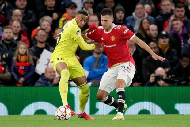 Ronaldo ghi bàn phút cuối cùng, giải cứu MU khỏi thảm hoạ ngay trên sân nhà - Ảnh 4.