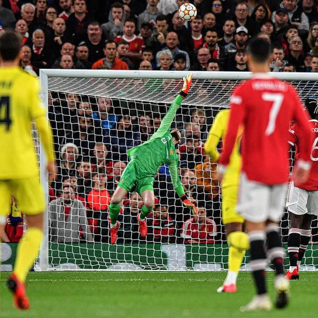 Ronaldo ghi bàn phút cuối cùng, giải cứu MU khỏi thảm hoạ ngay trên sân nhà - Ảnh 6.