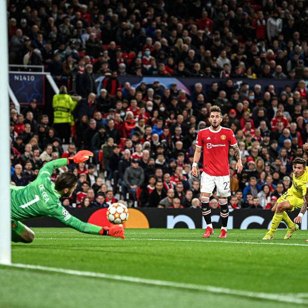 Ronaldo ghi bàn phút cuối cùng, giải cứu MU khỏi thảm hoạ ngay trên sân nhà - Ảnh 7.