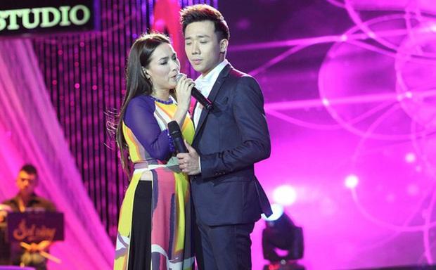 Hot lại clip Trấn Thành trò chuyện với Phi Nhung, lý giải cách xưng hô ngang hàng phải lứa dù kém đàn chị 17 tuổi - Ảnh 7.