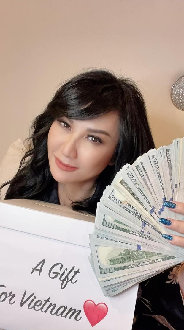 Vợ cũ Bằng Kiều dùng gần 500 triệu tiền mừng sinh nhật ở Mỹ làm từ thiện tại Việt Nam, tiết lộ lời động viên của con gái Phi Nhung - Ảnh 2.
