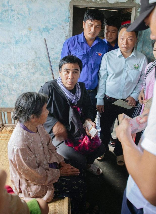 MC Quyền Linh từng tiết lộ chỉ trong 10 phút kêu gọi từ thiện đã được hơn 2 tỷ đồng, lập tức đóng tài khoản vì lý do này - Ảnh 2.