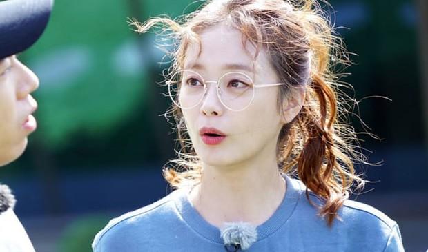 Jeon So Min khoe visual khác lạ trước giờ fan meeting Running Man nhưng bị chê tơi tả vì makeup - Ảnh 4.