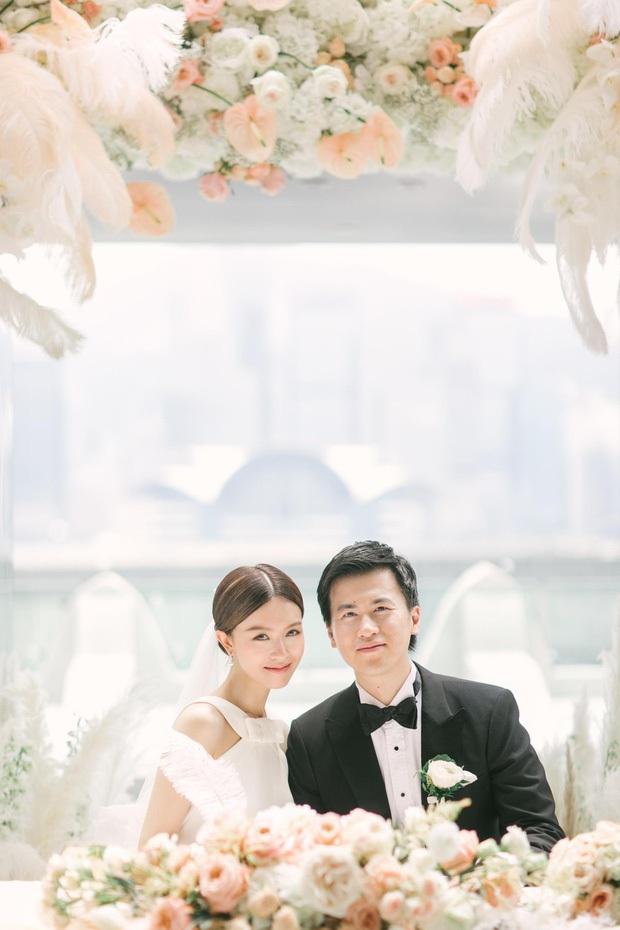 Thần tiên tỷ tỷ Văn Vịnh San: Bị Angela Baby cạch mặt, cưới thiếu gia giàu 3 đời với hôn lễ nghẹt thở và cú twist bất ngờ tuổi 33 - Ảnh 10.