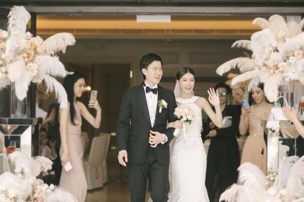 Thần tiên tỷ tỷ Văn Vịnh San: Bị Angela Baby cạch mặt, cưới thiếu gia giàu 3 đời với hôn lễ nghẹt thở và cú twist bất ngờ tuổi 33 - Ảnh 11.