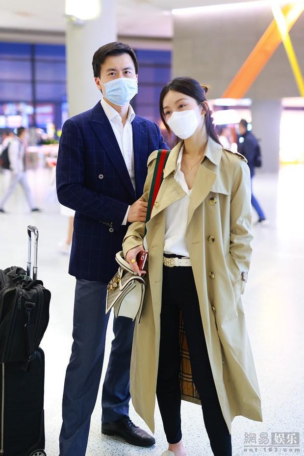 Thần tiên tỷ tỷ Văn Vịnh San: Bị Angela Baby cạch mặt, cưới thiếu gia giàu 3 đời với hôn lễ nghẹt thở và cú twist bất ngờ tuổi 33 - Ảnh 25.