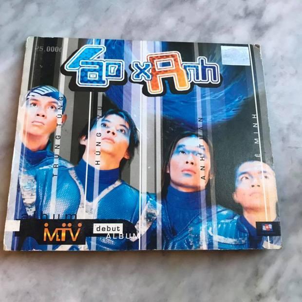"""Bìa album thời """"ơ kìa"""" của sao Việt: Mỹ Tâm nổi loạn với tóc tém, 1088 chuẩn """"oppa"""" nam thần, nhìn sang MTV """"giận tím người"""" - Ảnh 6."""