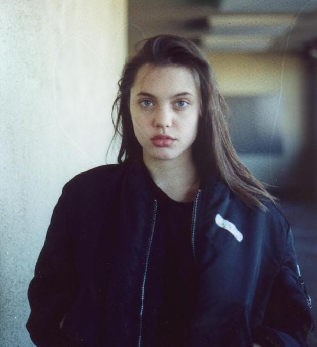 Angelina Jolie: 14 tuổi đã nổi loạn và tự tử bất thành, gái hư 2 lần đeo mác tiểu tam đến minh tinh nghị lực vượt qua ung thư - Ảnh 4.