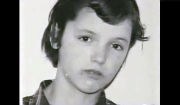 Ác nhân mang gương mặt trẻ thơ: Cô bé 11 tuổi hạ sát rồi huỷ hoại xác nạn nhân không biết run tay, gây ra loạt án mạng ám ảnh cả nước Anh - Ảnh 2.