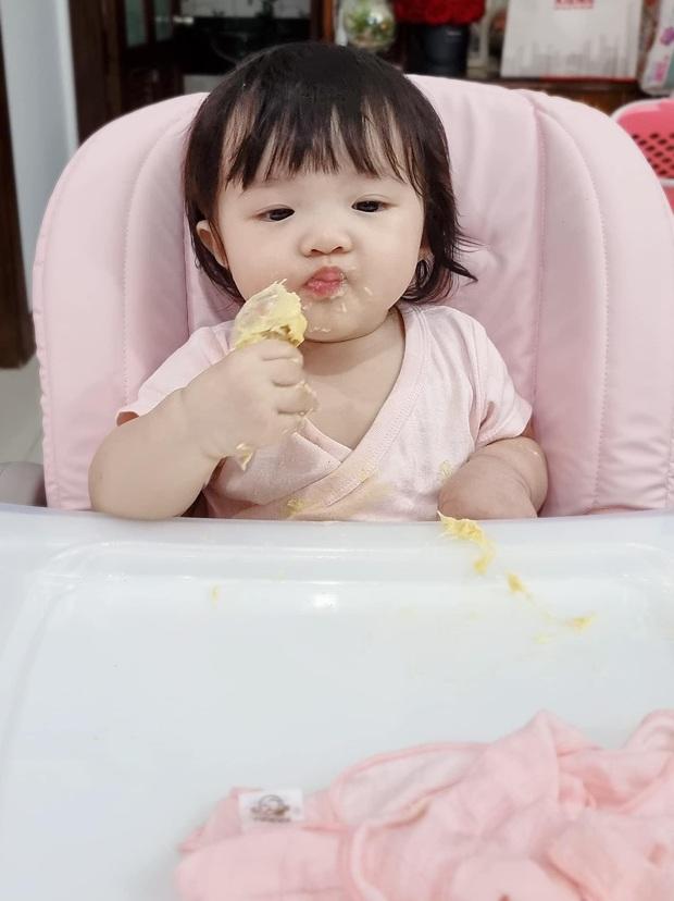 Con gái Đông Nhi lần đầu thưởng thức món trái cây thơm nức mũi kén người ăn, nhìn thòm thèm mà cưng xỉu - Ảnh 5.